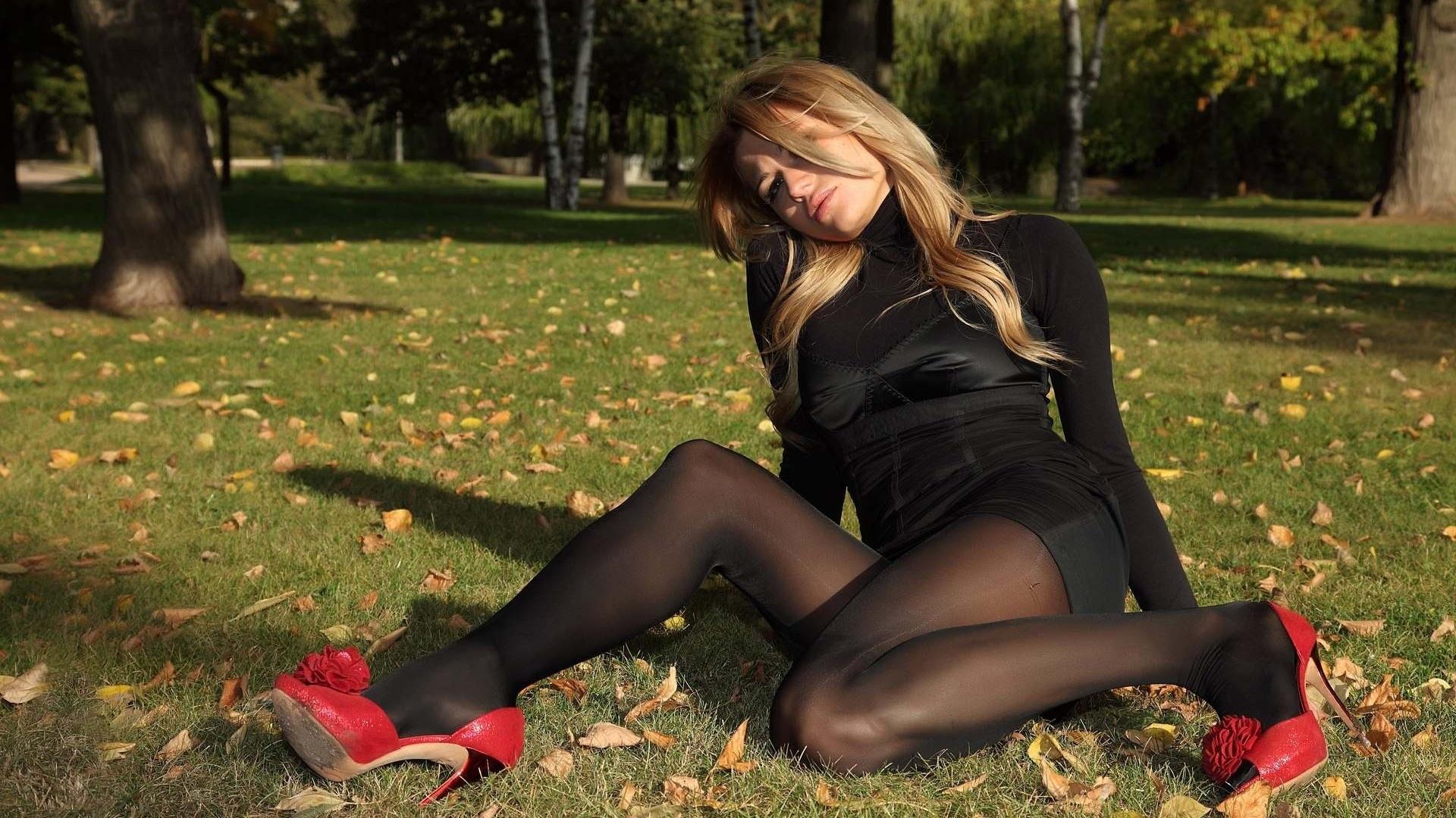 Шикарная девушка в юбке, Порно В юбке -видео. Смотреть порно онлайн! 11 фотография