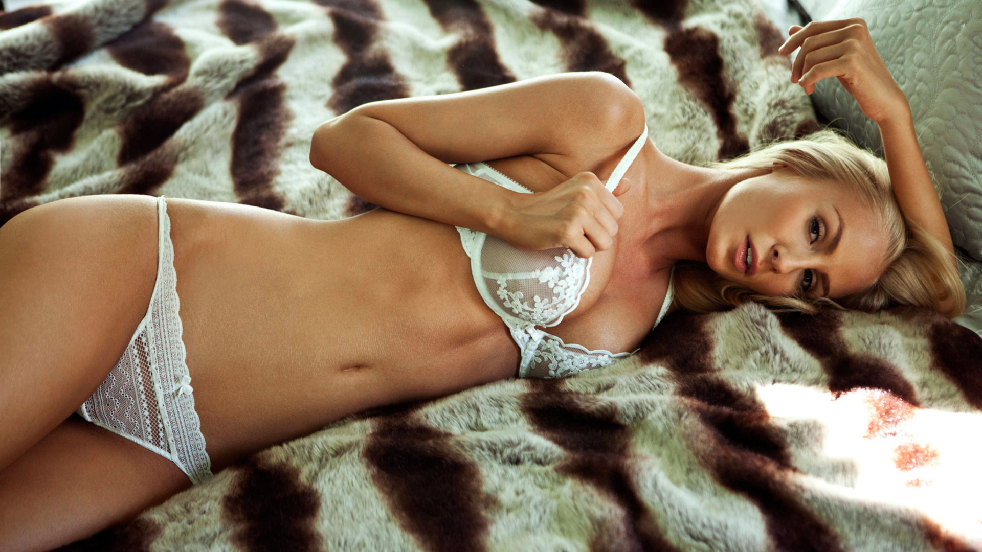 Price is right model nude passionate hot wet bodies xxx