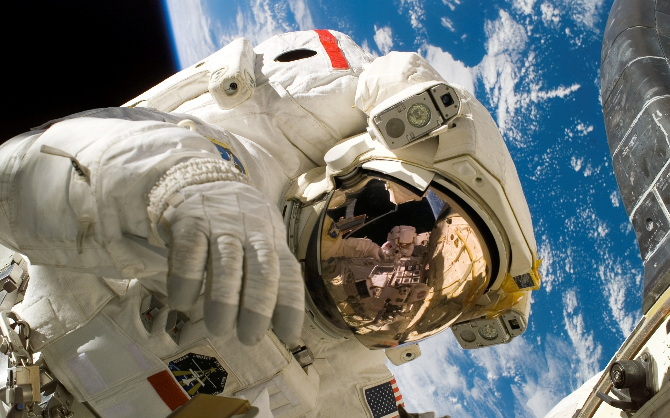 astronaut performance and health risks The astronauts must be intelligent, creative, psychologically stable and physically healthy in spaceflight missions, the primary personal attributes of a successful astronaut are emotional and psychological stability, supported by personal drive and motivation.