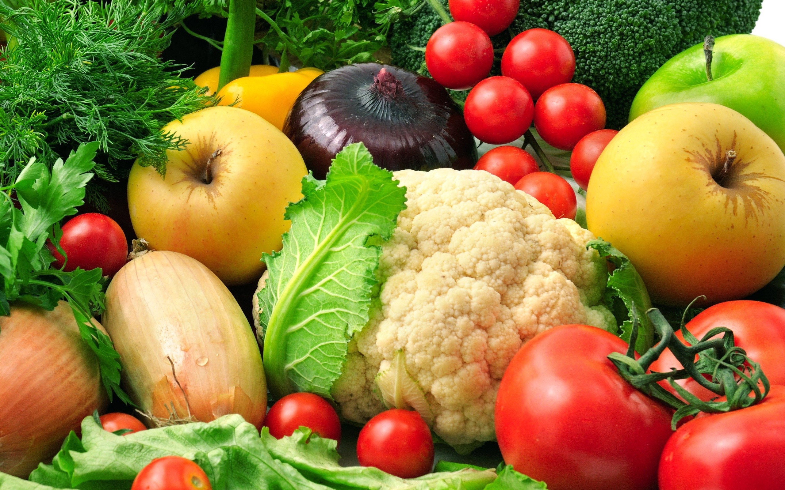 importance of eating fresh fruits and vegetables Gluten-free: most raw foods, including fruits, vegetables, nuts, and seeds, are naturally gluten-free what else you should know eating lots of veggies and fruits helps control blood pressure.