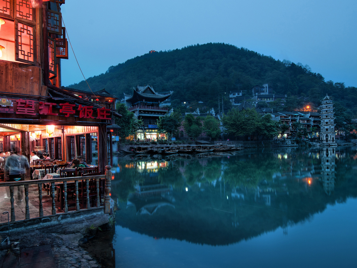 night settles in feung huang, ночь, огни