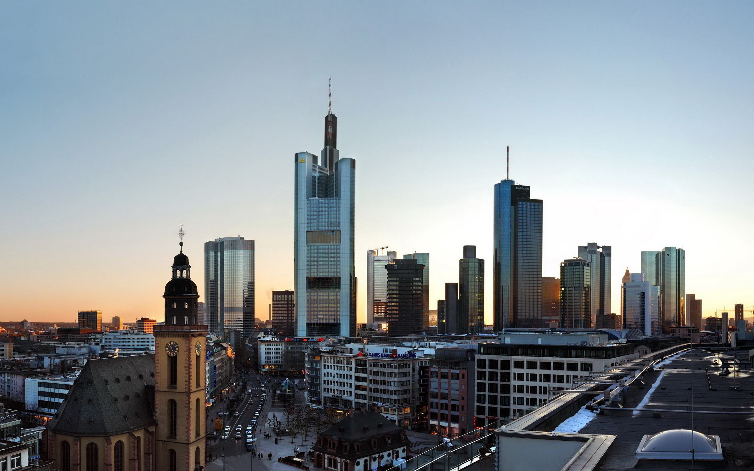 a geography of frankfurt am main Frankfurt, germany latitude and longitude coordinates are: 50110924, 8682127 frankfurt, known also as frankfurt-am-maine, is a large city in central germany, with the population close to 700,000 people it is the fifth most populous city of the country.