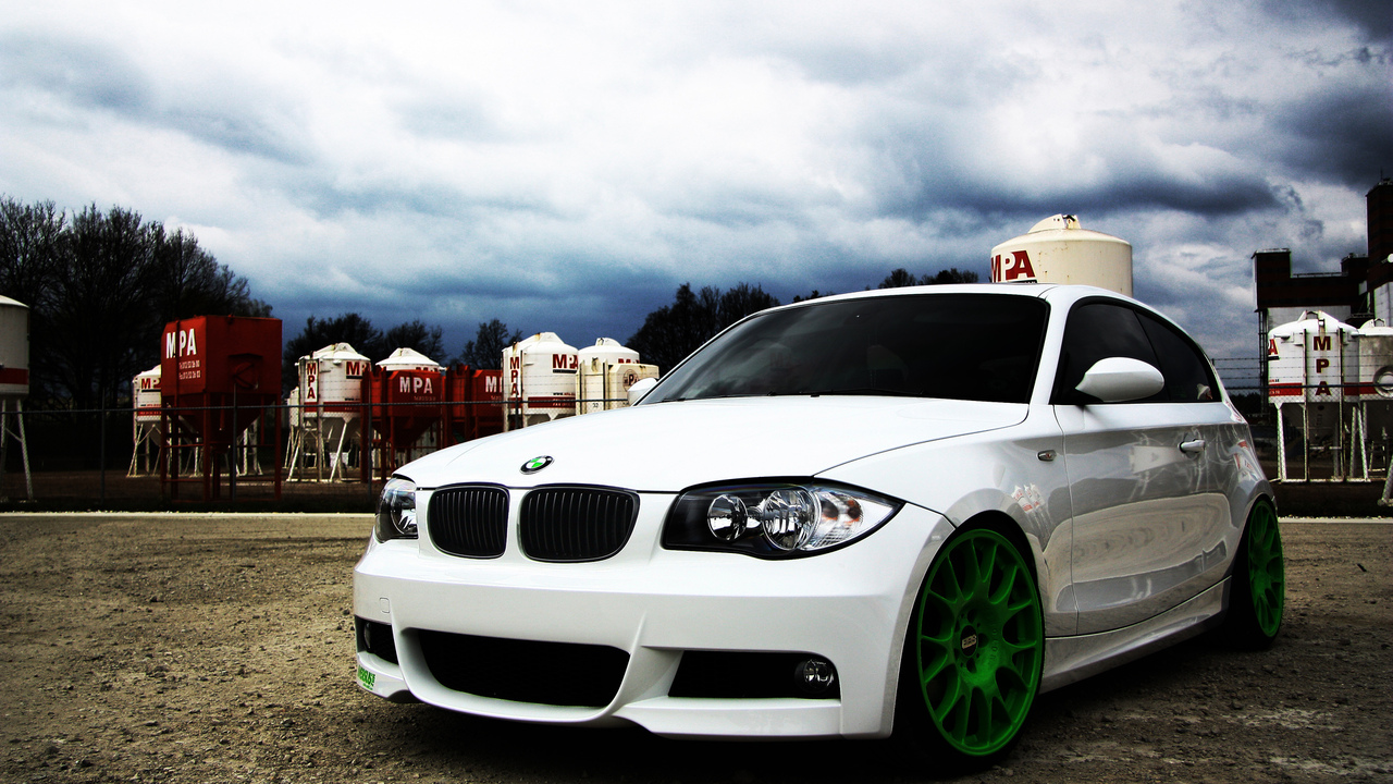 wallpapers auto, диск, вид с переди, auto, бмв, bmw 1 serie, cars, white, city, колесо, bbs