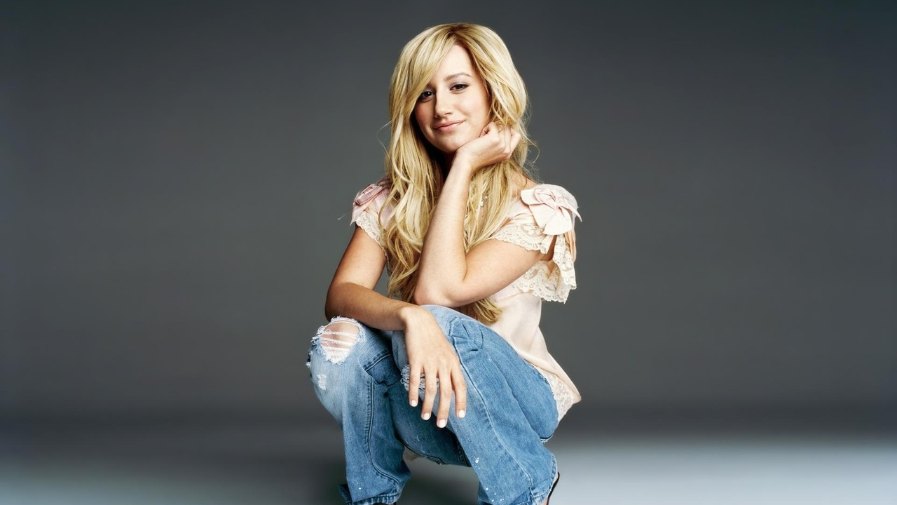 джинсы, певица, актриса, губы, эшли мишель тисдейл, ashley tisdale, звезда, милая