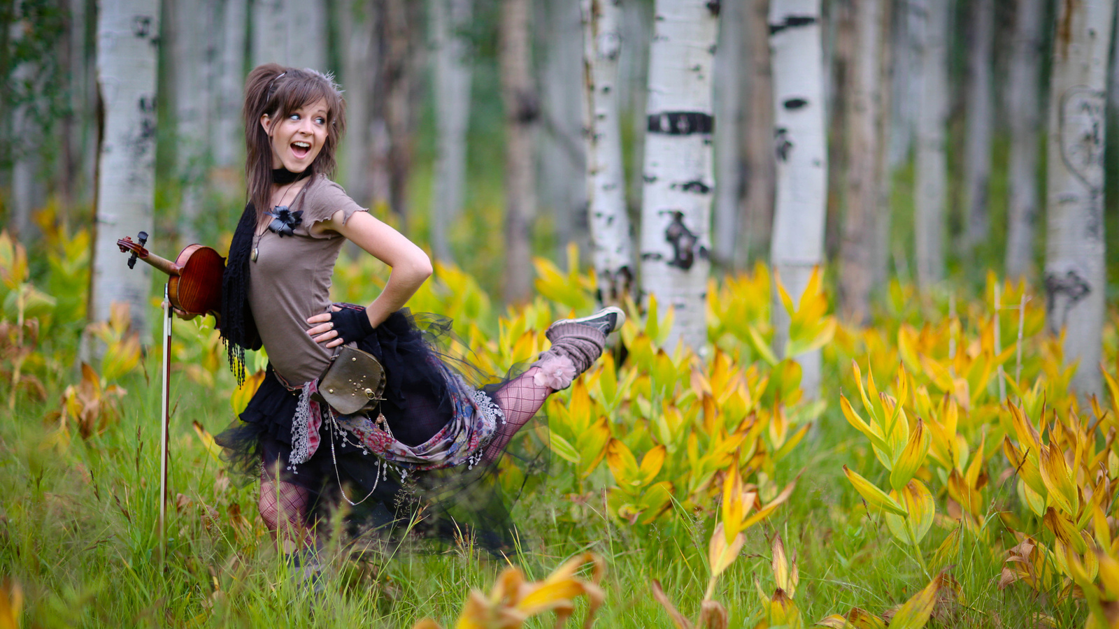 lindsey stirling, цветы, violin, линдси стирлинг, скрипка, лес