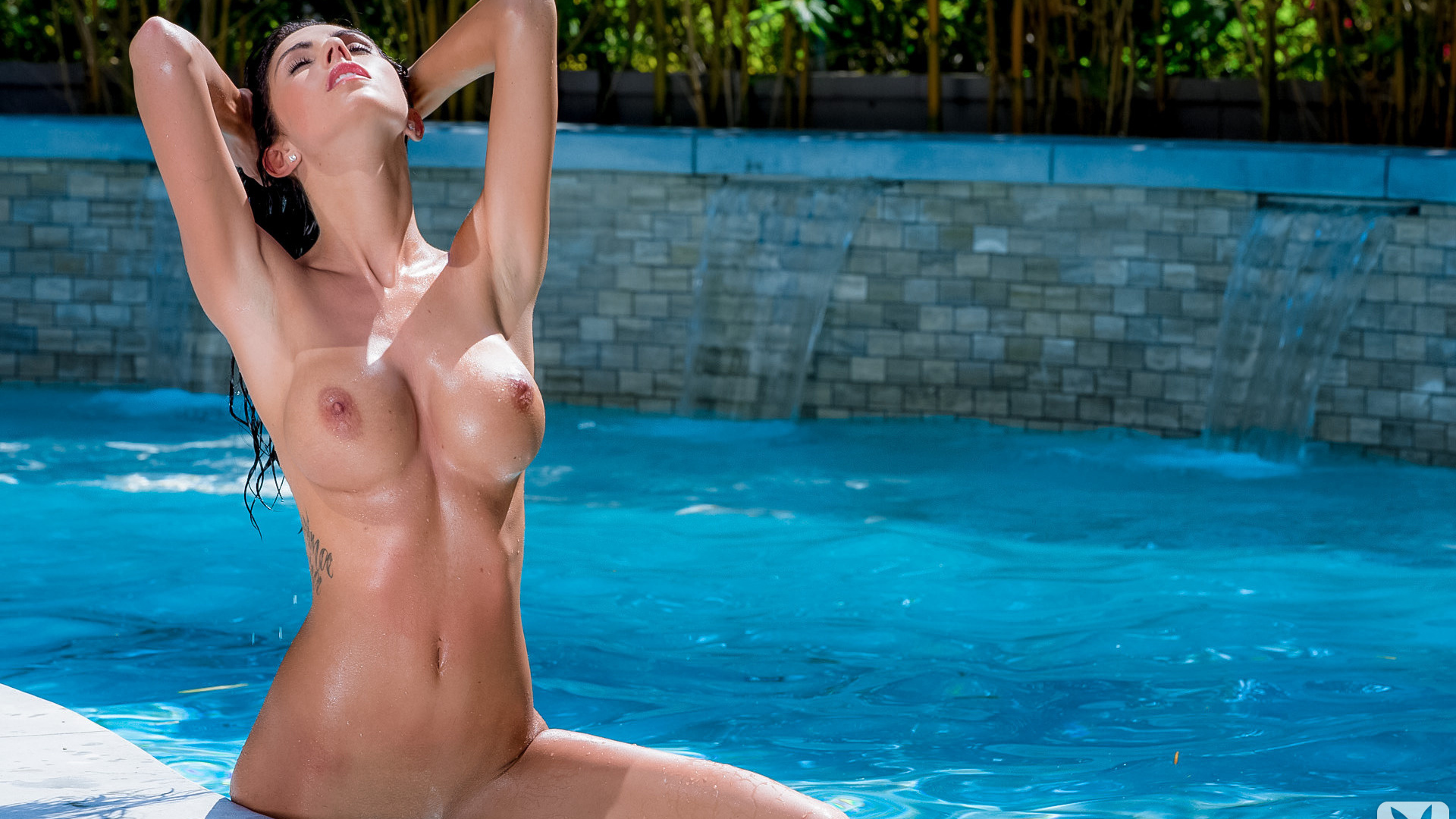 swimming-pools-pussy-tits