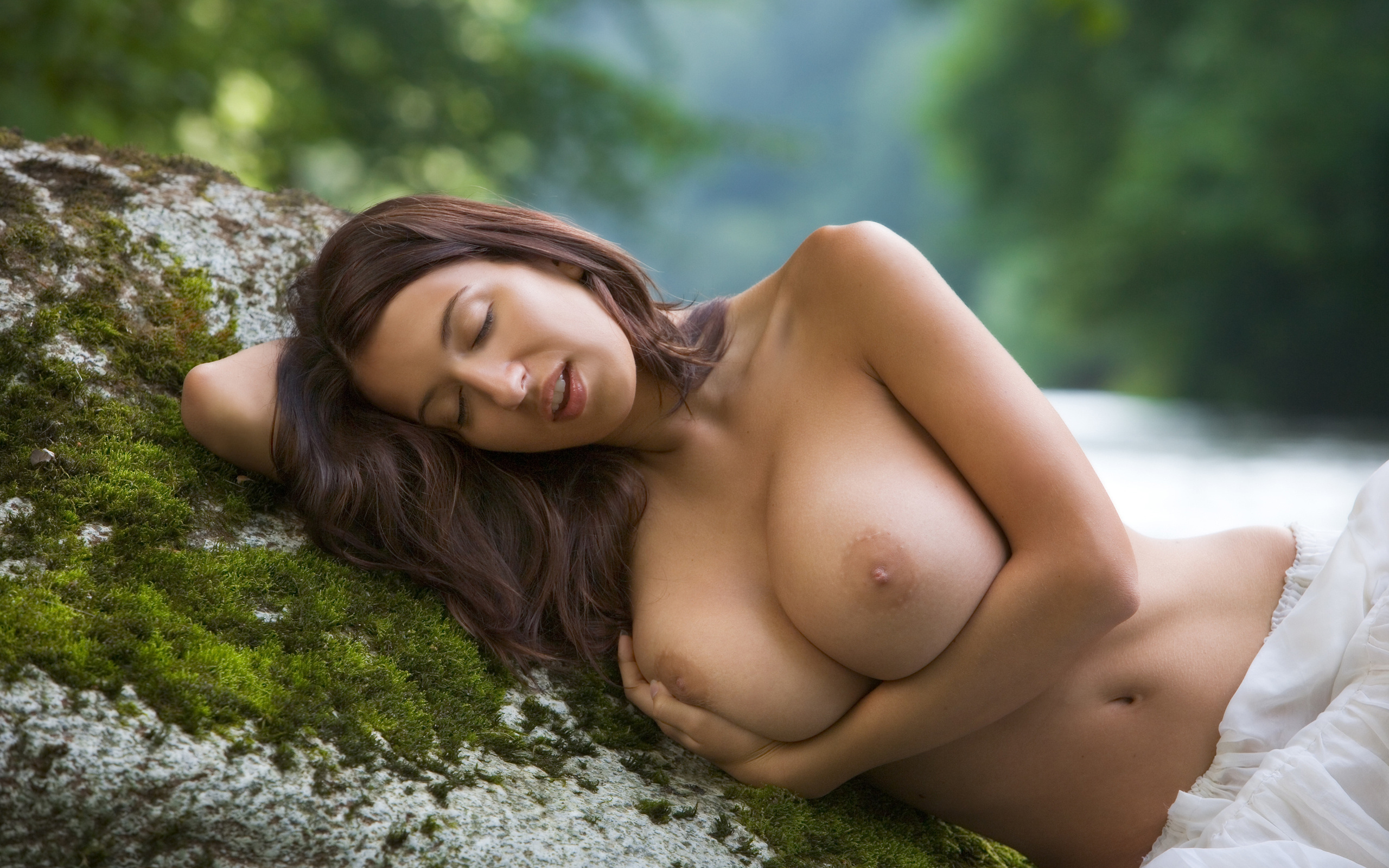 Natural big breast, wrestling nude xxx pic