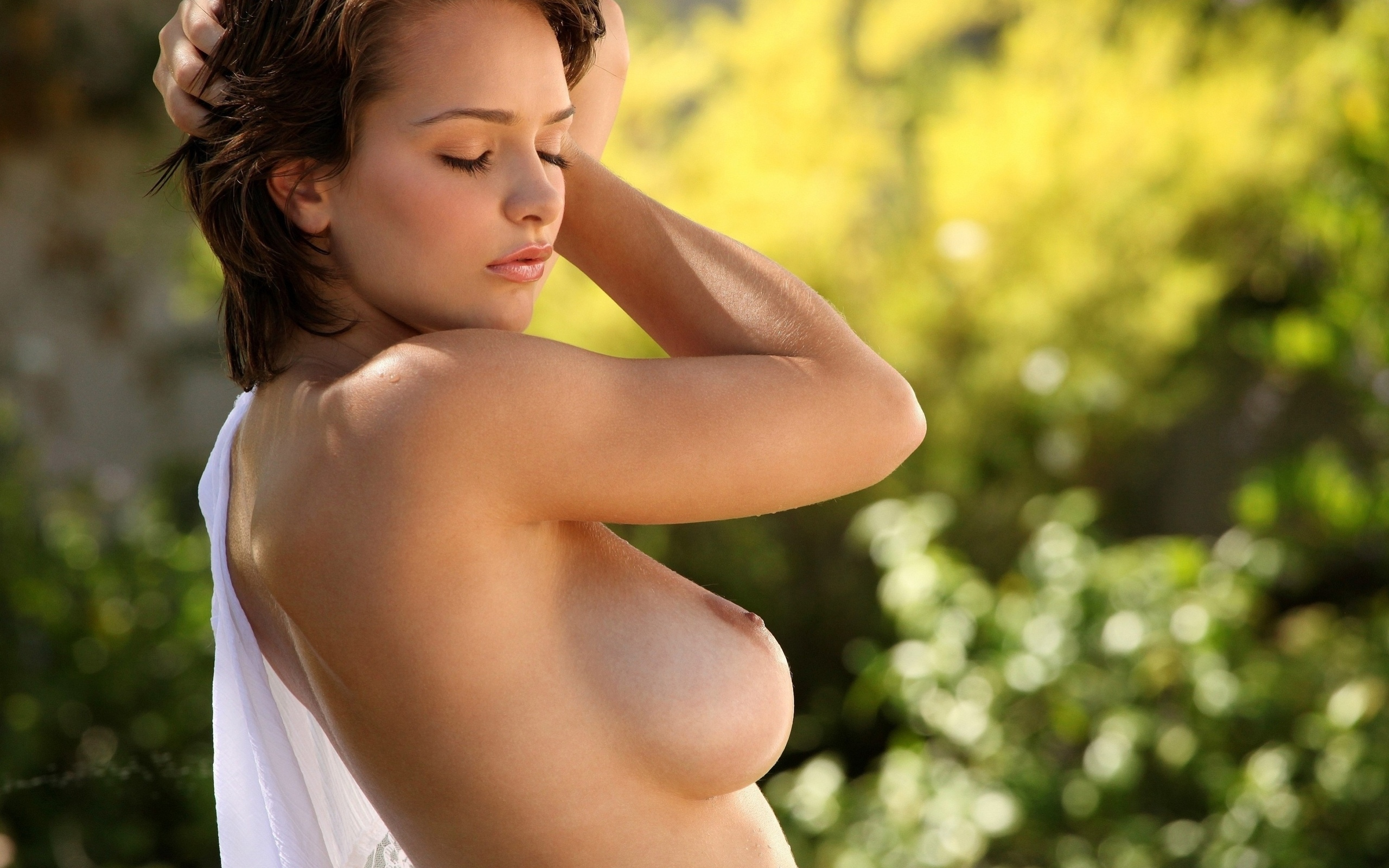 Girls chest sexarab, leah remini tits images
