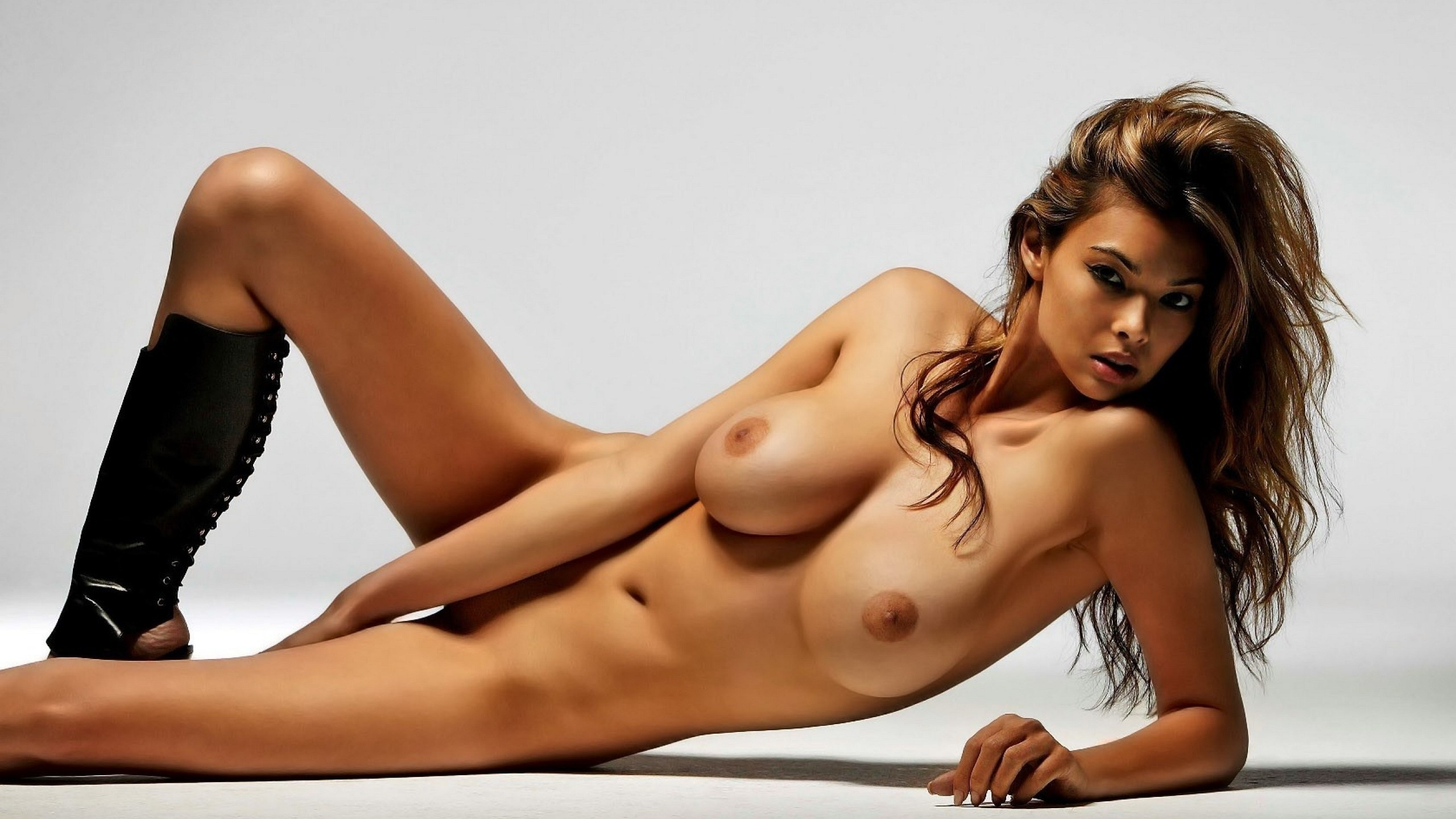 pictures-naked-beautiful-ladies-caliente
