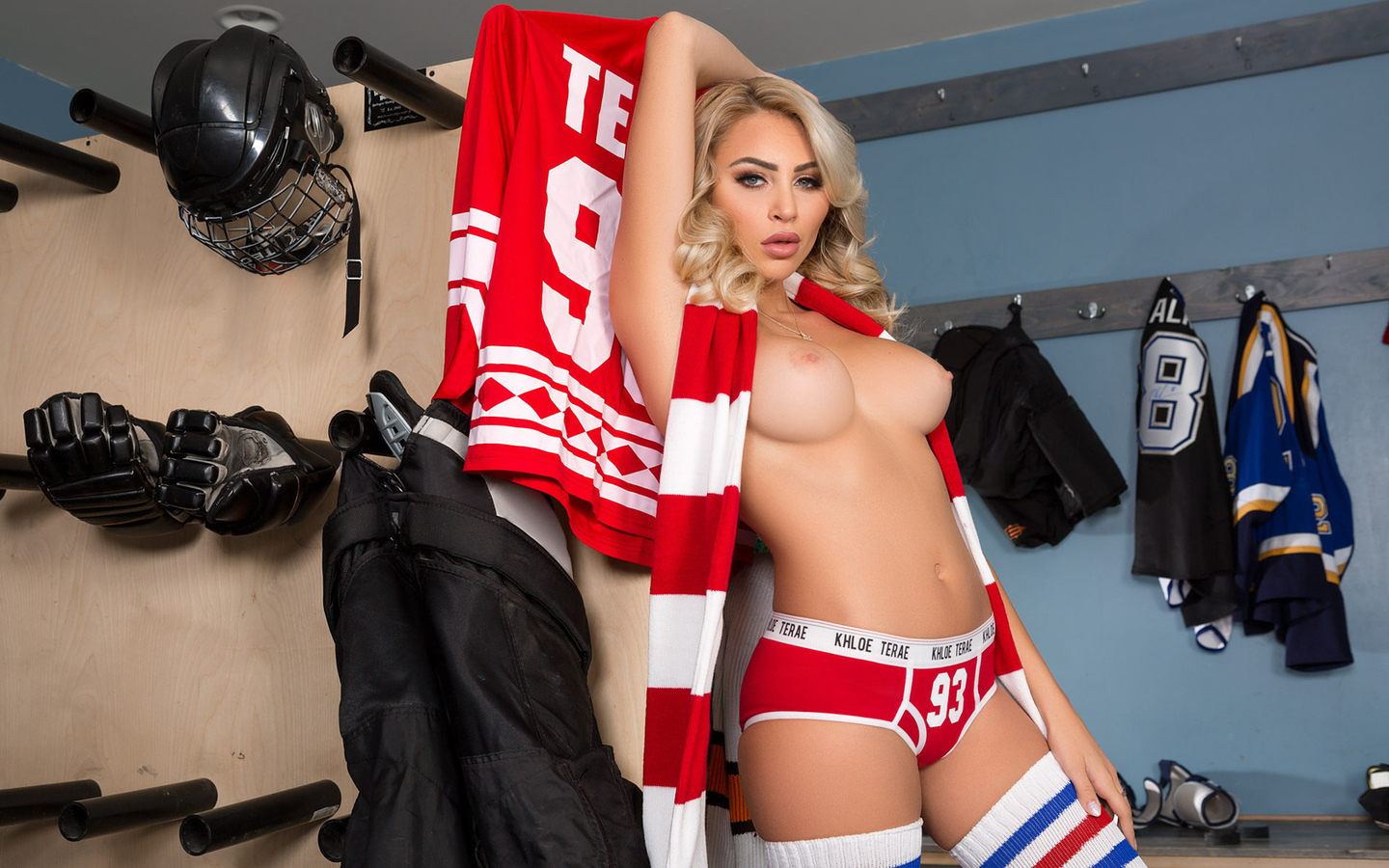 hump-rub-milesex-yankee-girls-hockey-hung