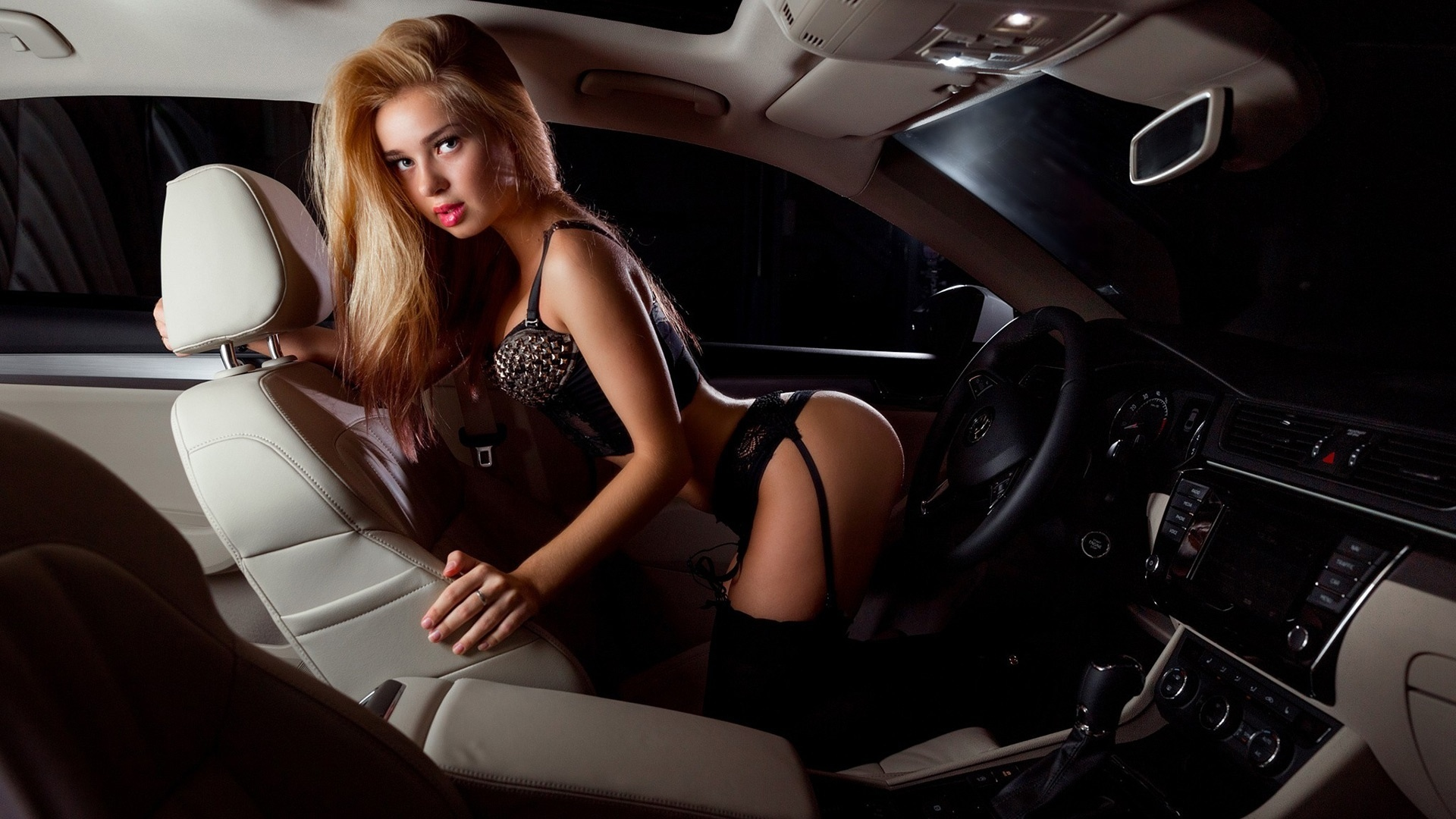 sexy-girls-in-cars-wives