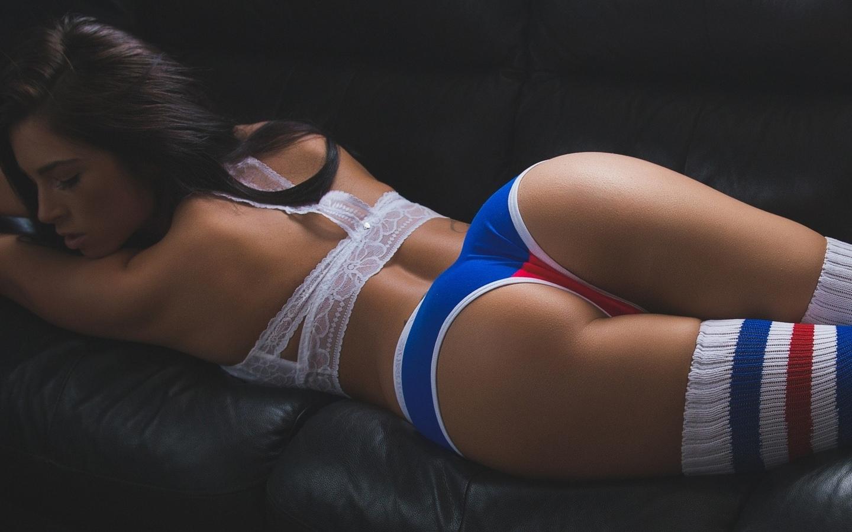 Hot sexy girls in tight leggings