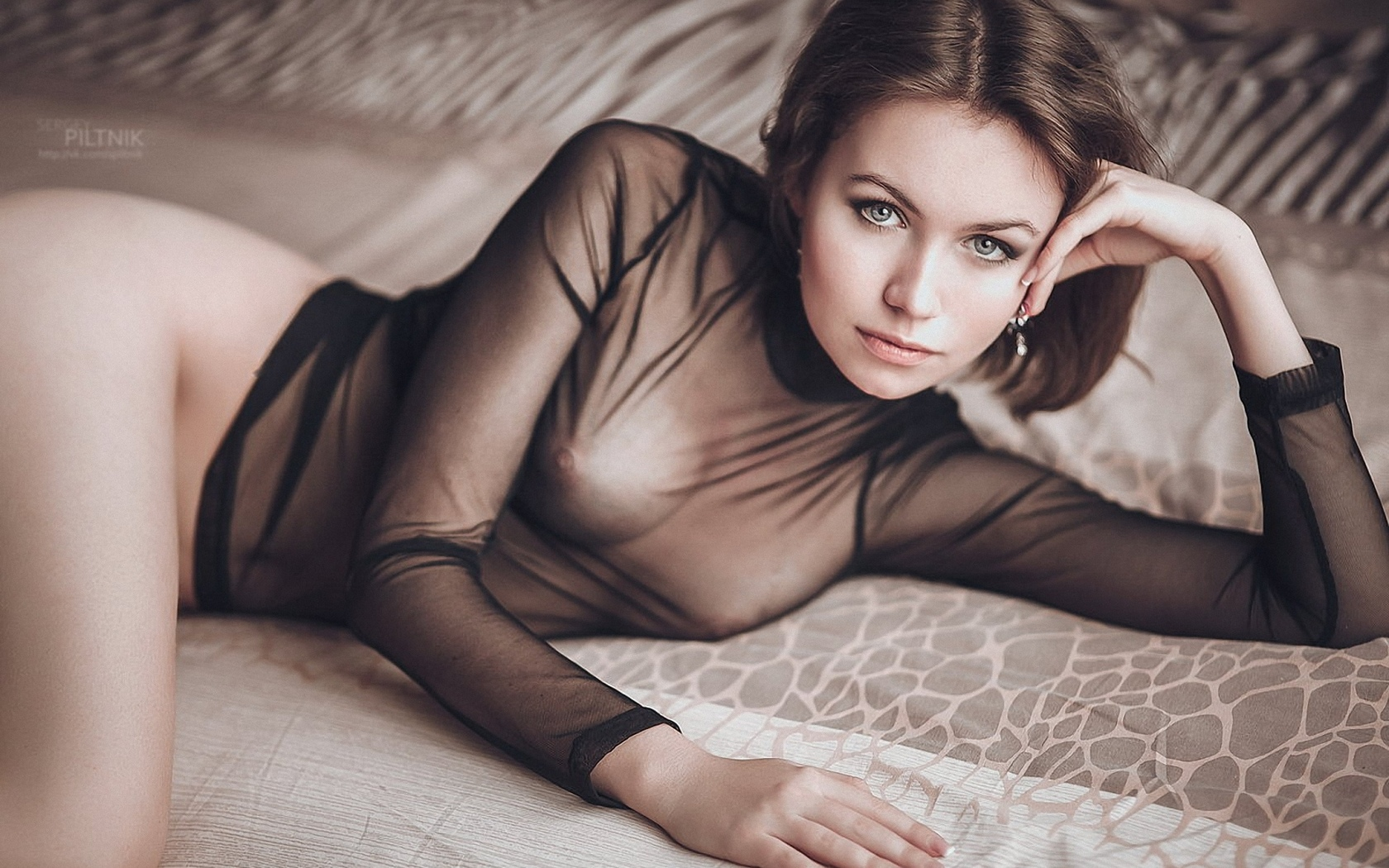 Голая в прозрачной блузке фото — pic 6