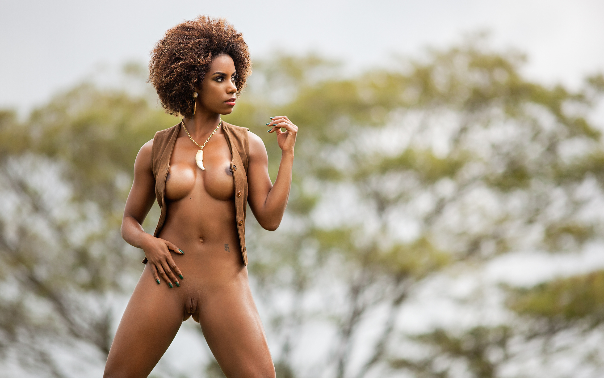 sexy-woman-afroamerican-model-naked