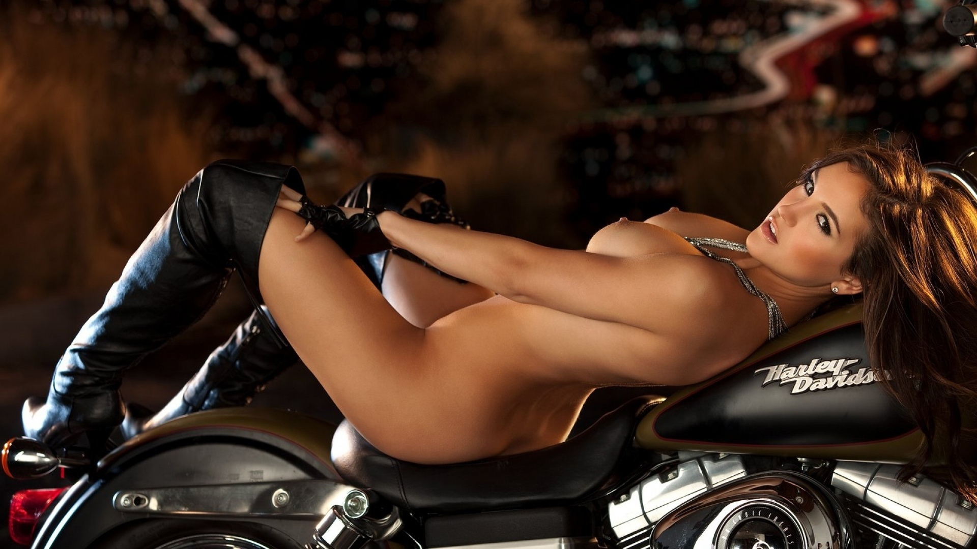 nudesexygirl-and-harleydavidson-french-hotel-in-indiana-lick