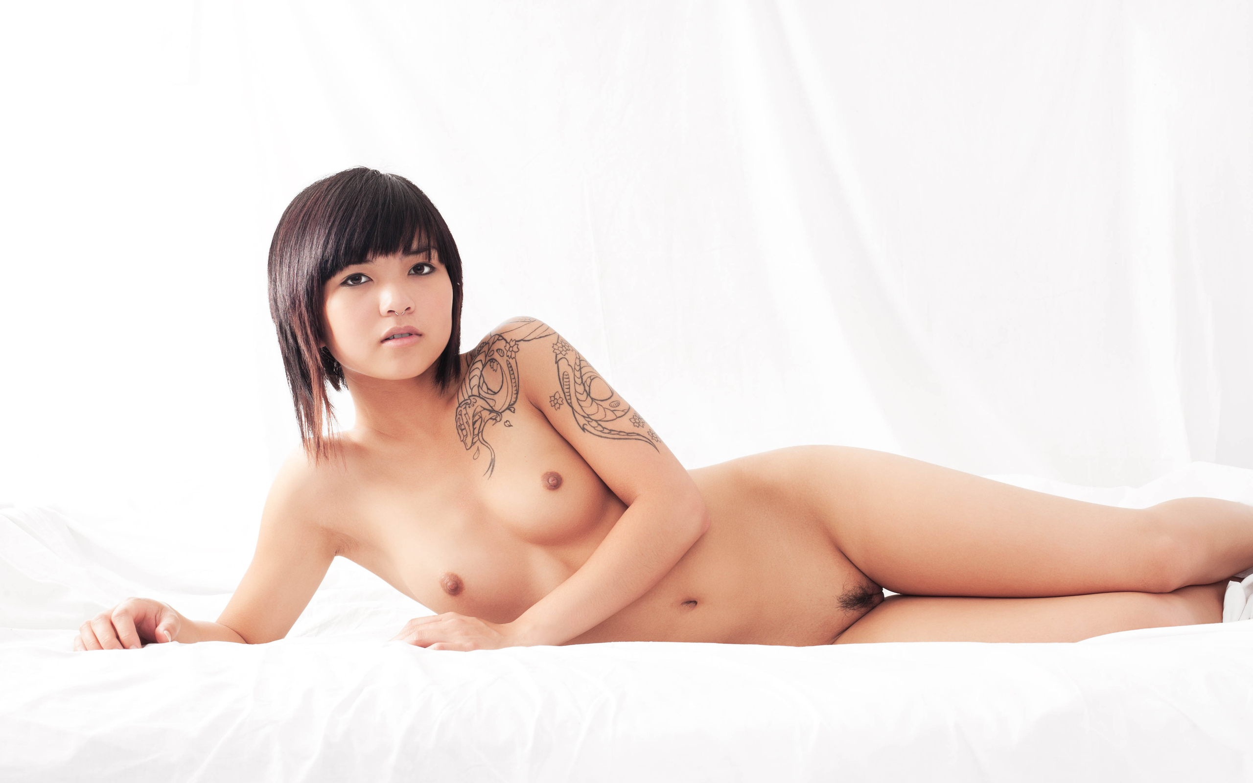 erotic-taiwan-girl-guys-naked-shower-spytures