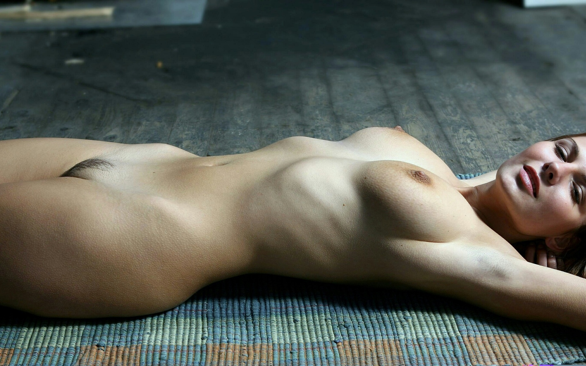 Pictures of uncensored naked girls whole body