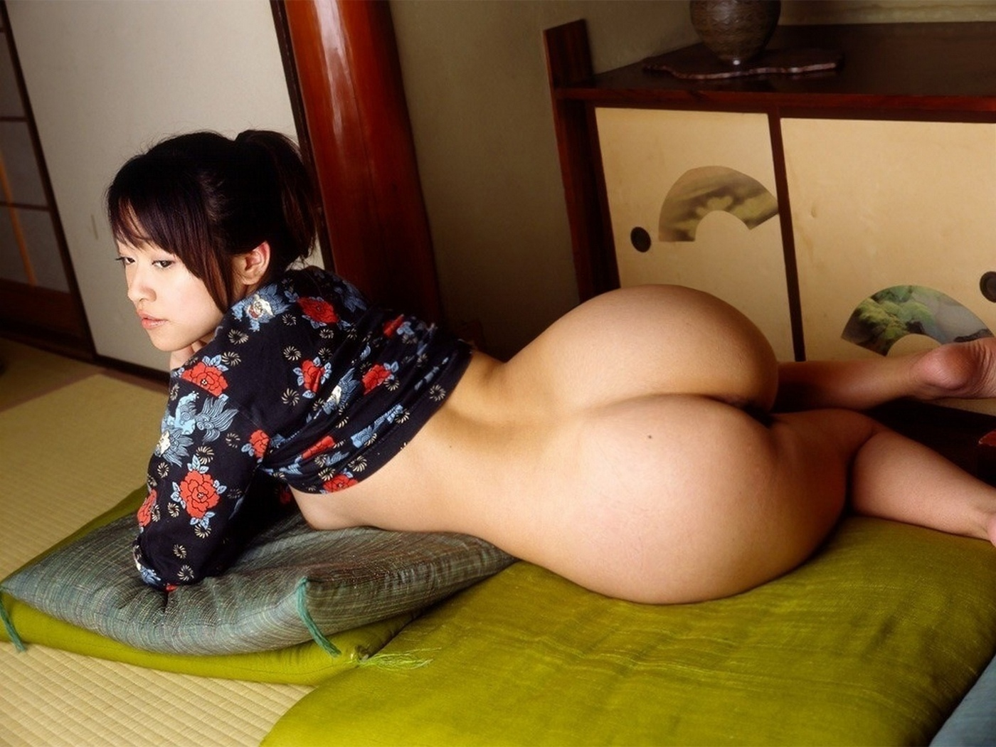 Japanese girl big booty naked — photo 12