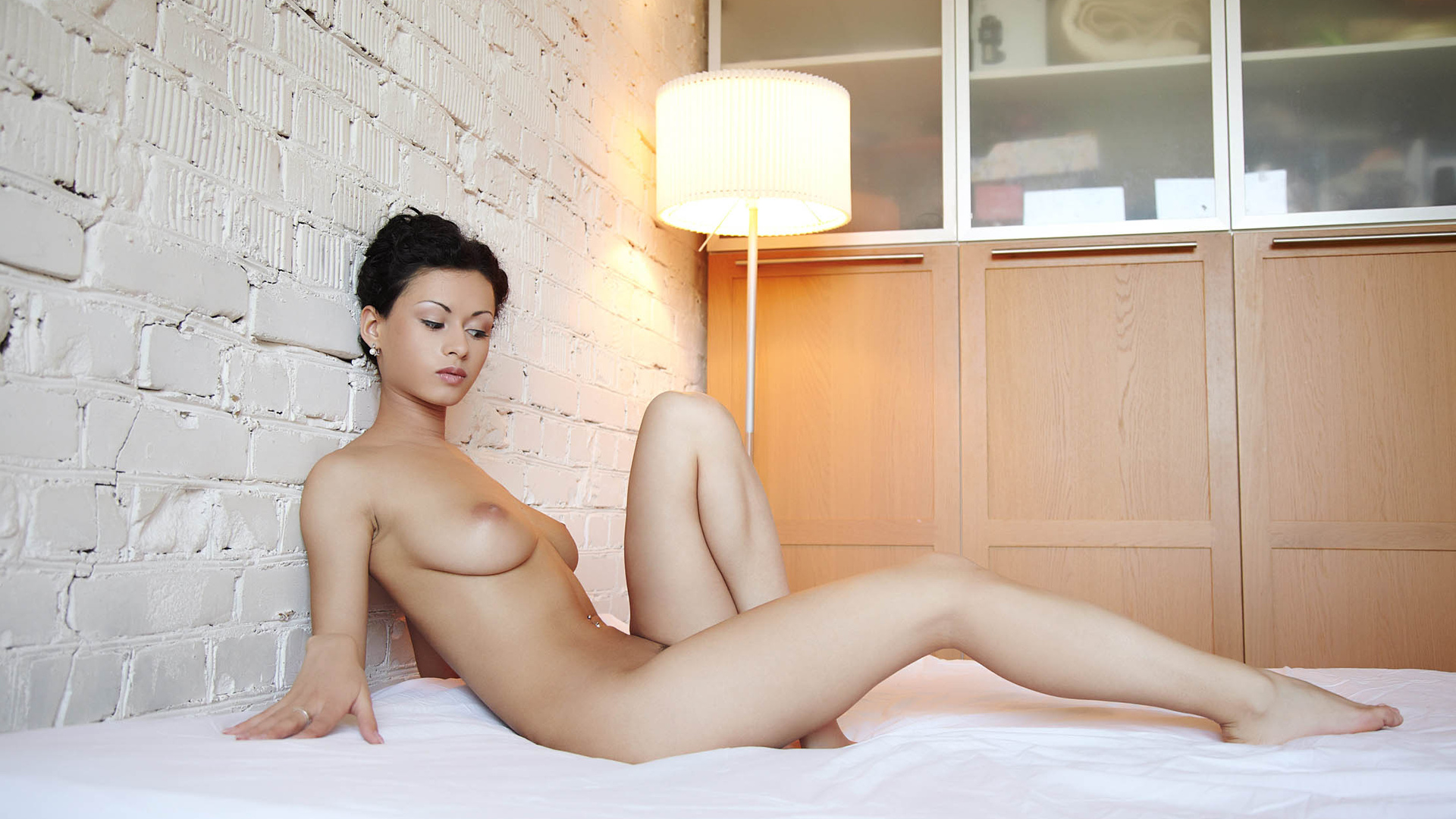 sexy-nude-vietnamese-girls-in-bed