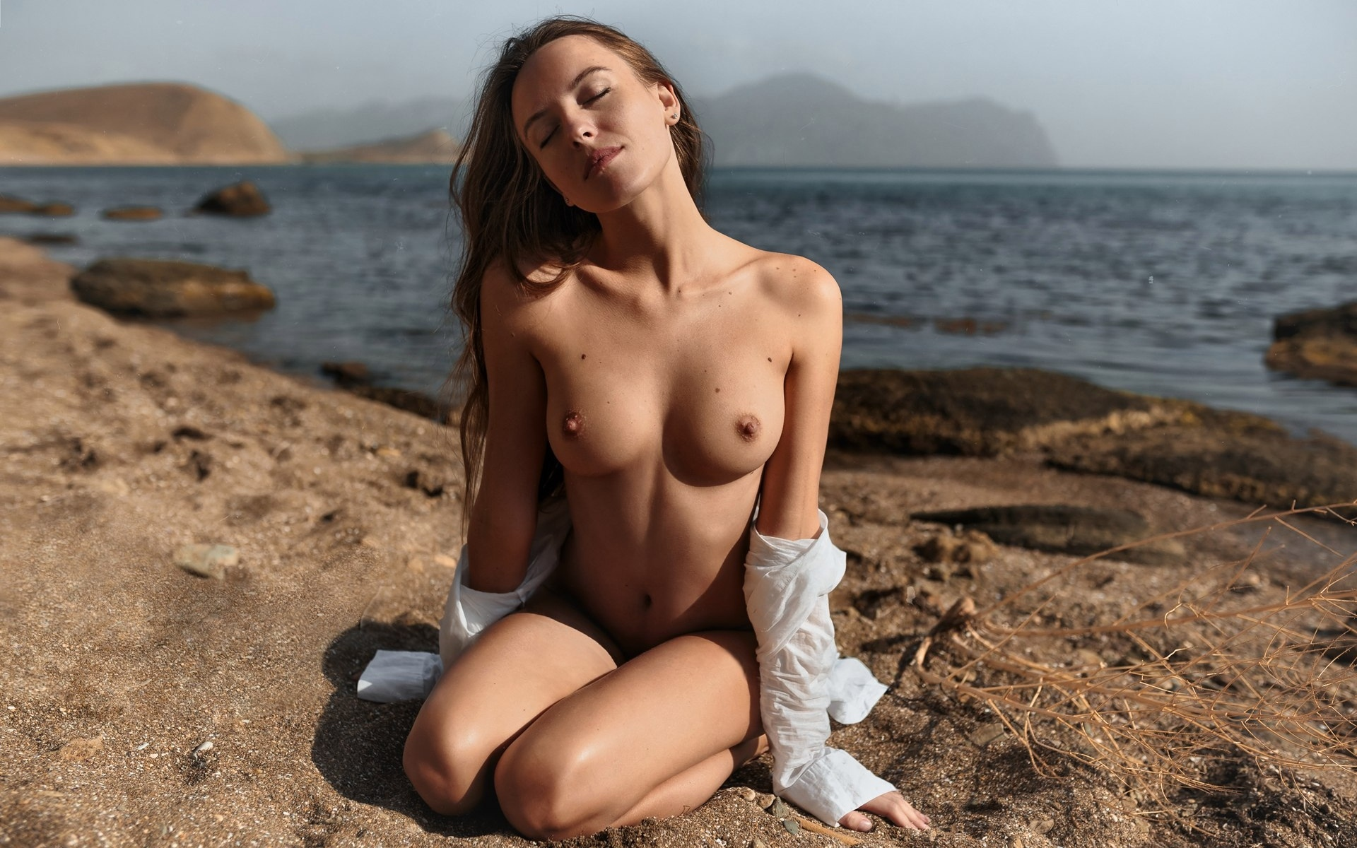 liby-women-naked