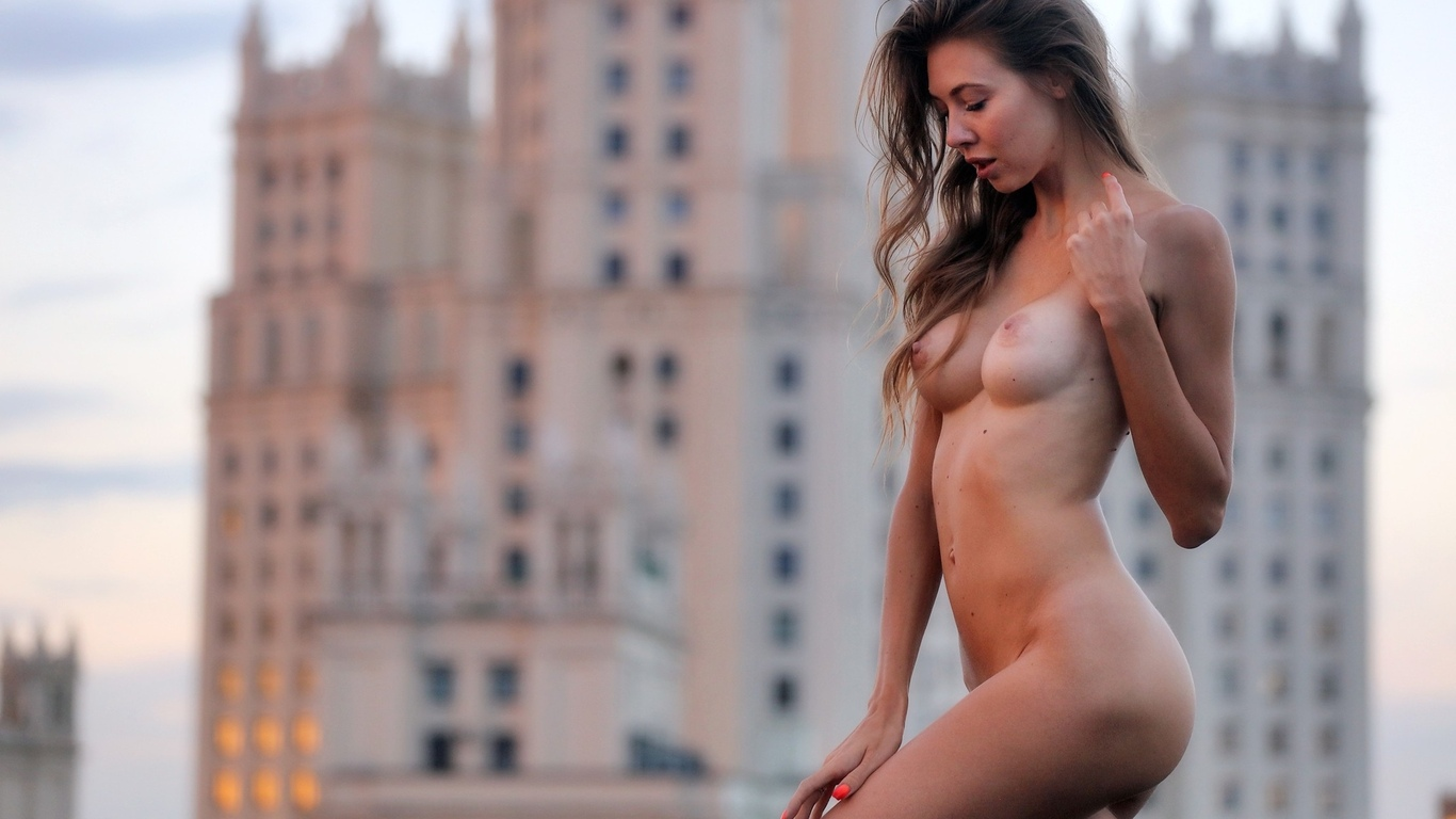 nude-women-city