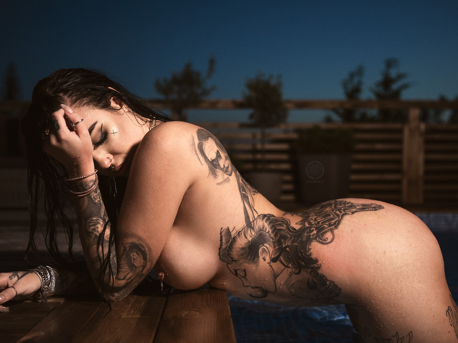 sexy-hot-naked-girl-tattoos