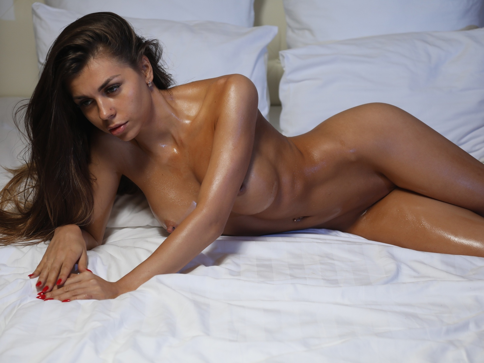 Tanning Bed Nude Photos