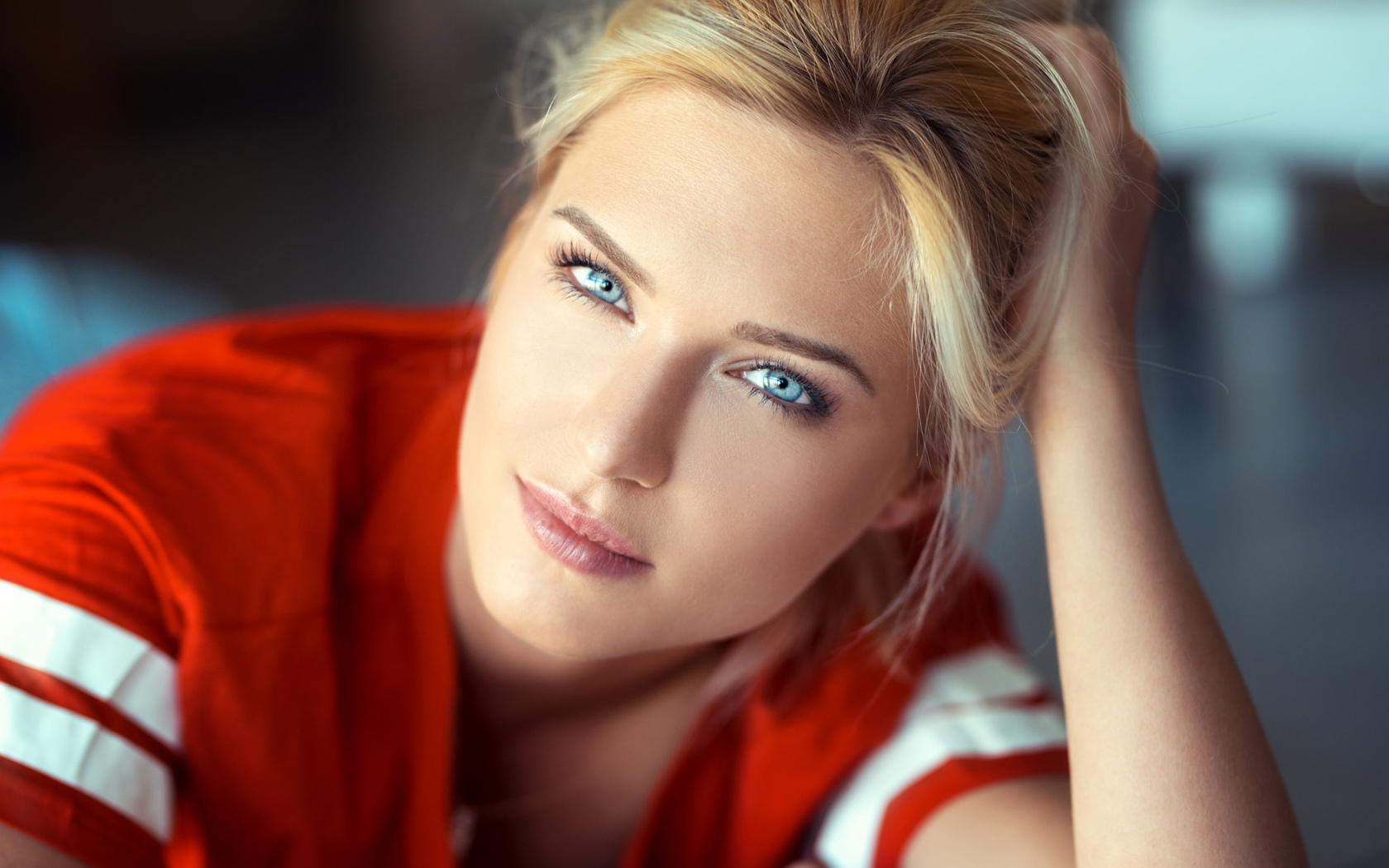 Picture of tall blonde blue eyes — pic 4