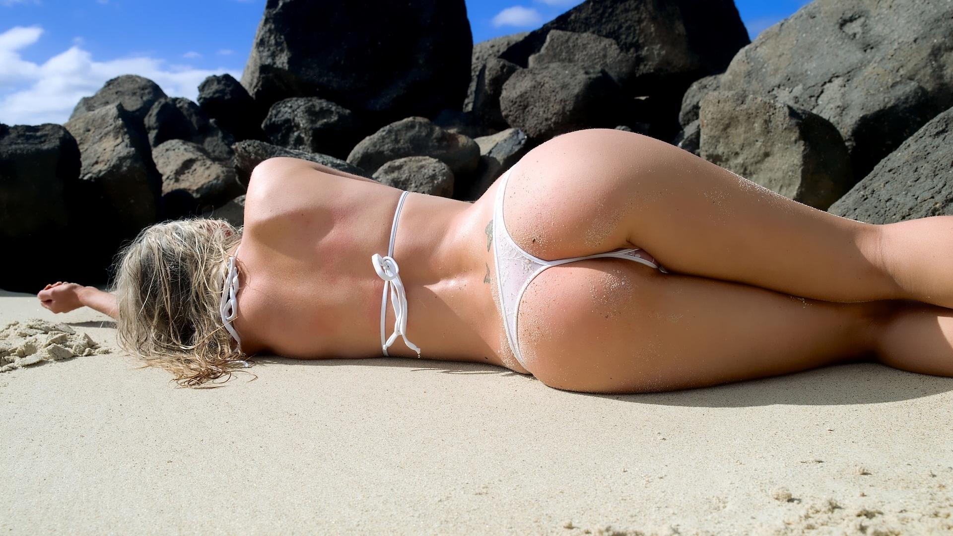 ass-bikini-video