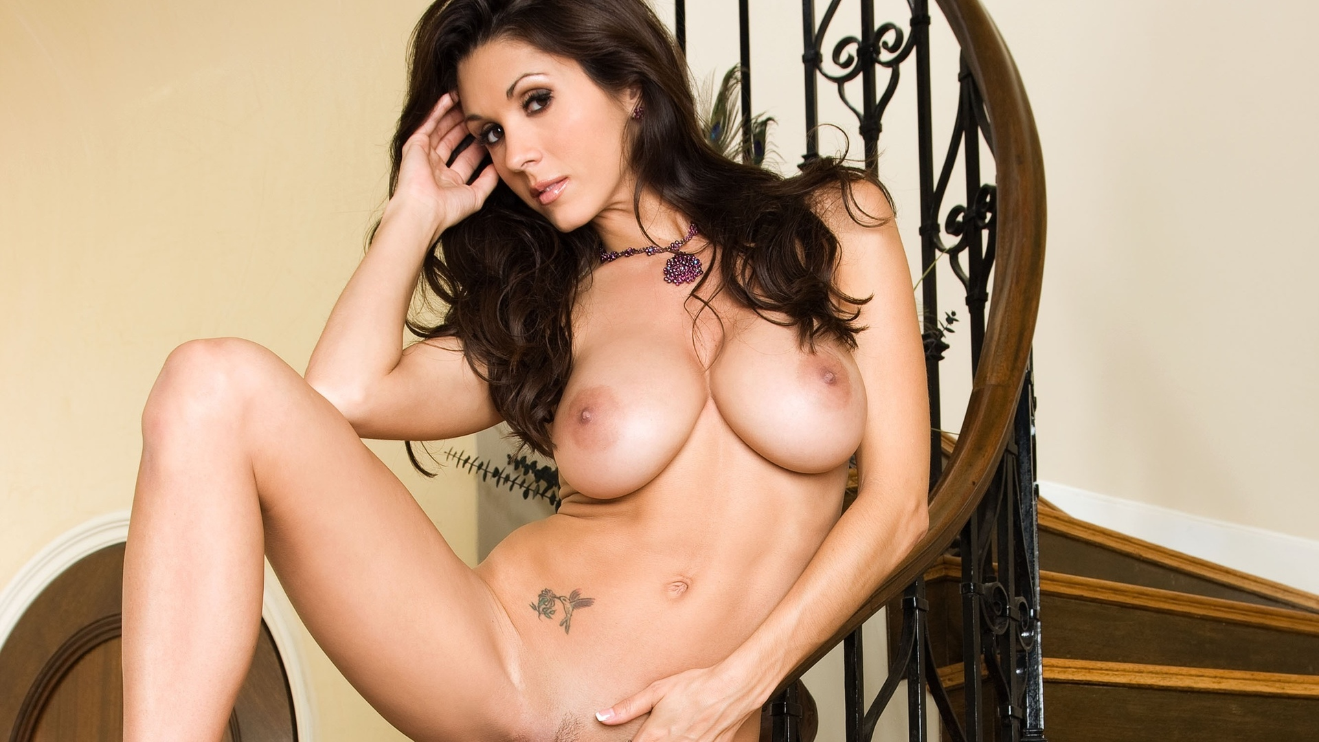 Taya parker wants you to come and please her tight pussy