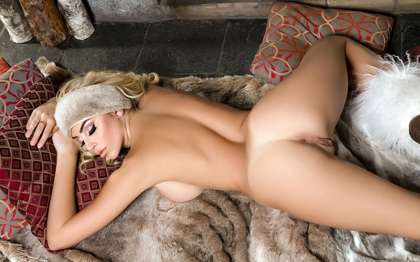pretty blonde, khloe terae