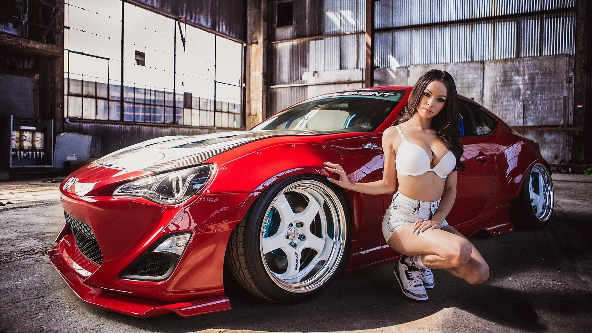 1366x768 hd car wallpapers free download